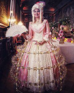robe à champagne, soiree theme Baroque
