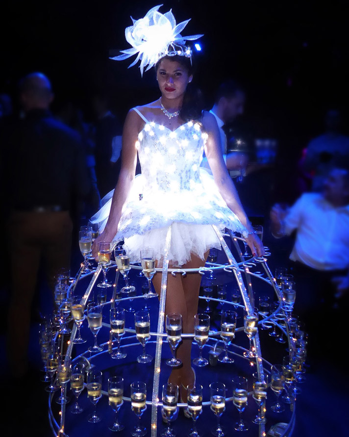 Robe porte champagne LED accueil femme robe lumineuse led