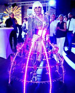 robe à champagne, soirée Futuriste