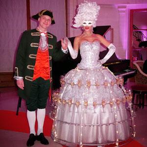 animation robe cocktails pour divertir les invités à l'accueil thème Grand Siècle