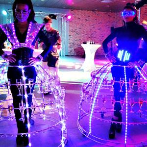 soirée theme Futuriste, inauguration concession, robe à champagne futuriste animation