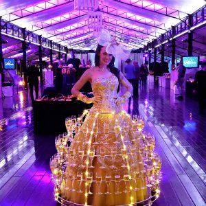 femme flutes de champagne gala de jardy