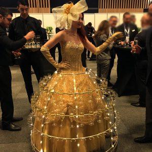 Femme champagne Sens de la Fete