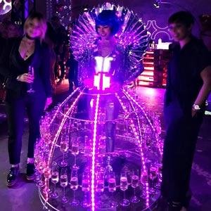 Robe à champagne Futuriste NYX